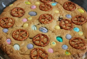 Easter-Cookie-Pie-1024x700