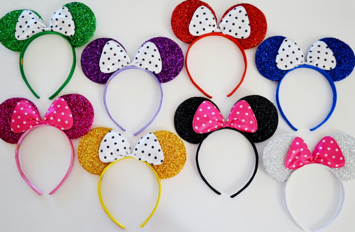 Personalized Superhero Bags And Glittering Mickey Mouse
