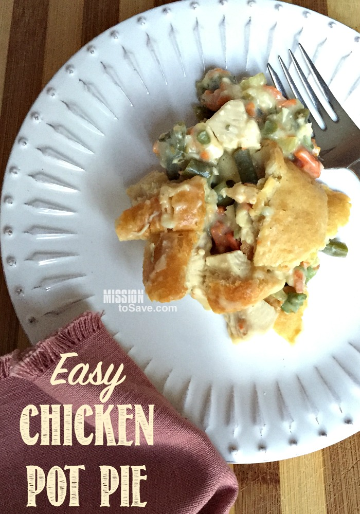 """Make this Easy Chicken Pot Pie Recipe tonight! It's so yummy and you can pack it full of veggies too. The secret to this pot pie recipe is in the """"crust""""."""